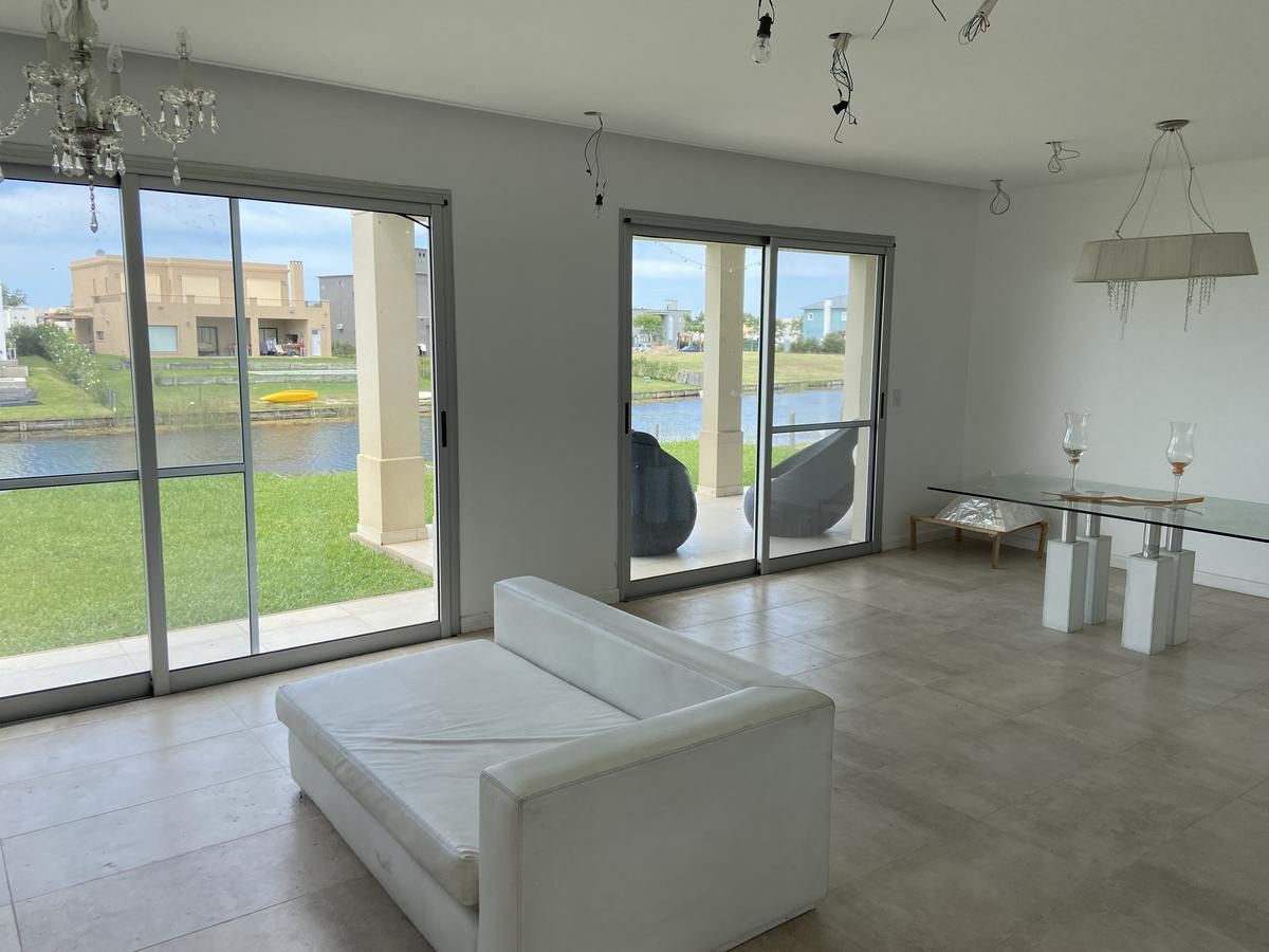 Foto Casa en Venta en  Ceibos,  Puertos del Lago  Puertos del Lago, barrio Ceibos, 4 dorm al lago