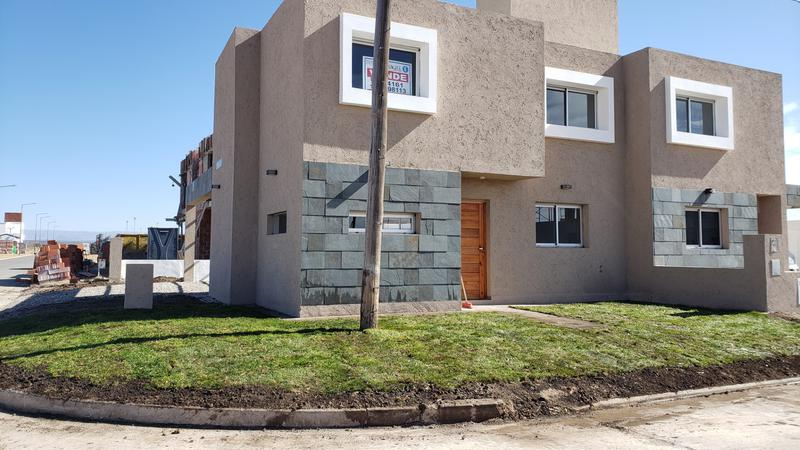 Foto Casa en Venta |  en  San Ignacio Village,  Cordoba Capital  Duplex a estrenar en  San Ignacio Village (Manantiales)- Imperdible!