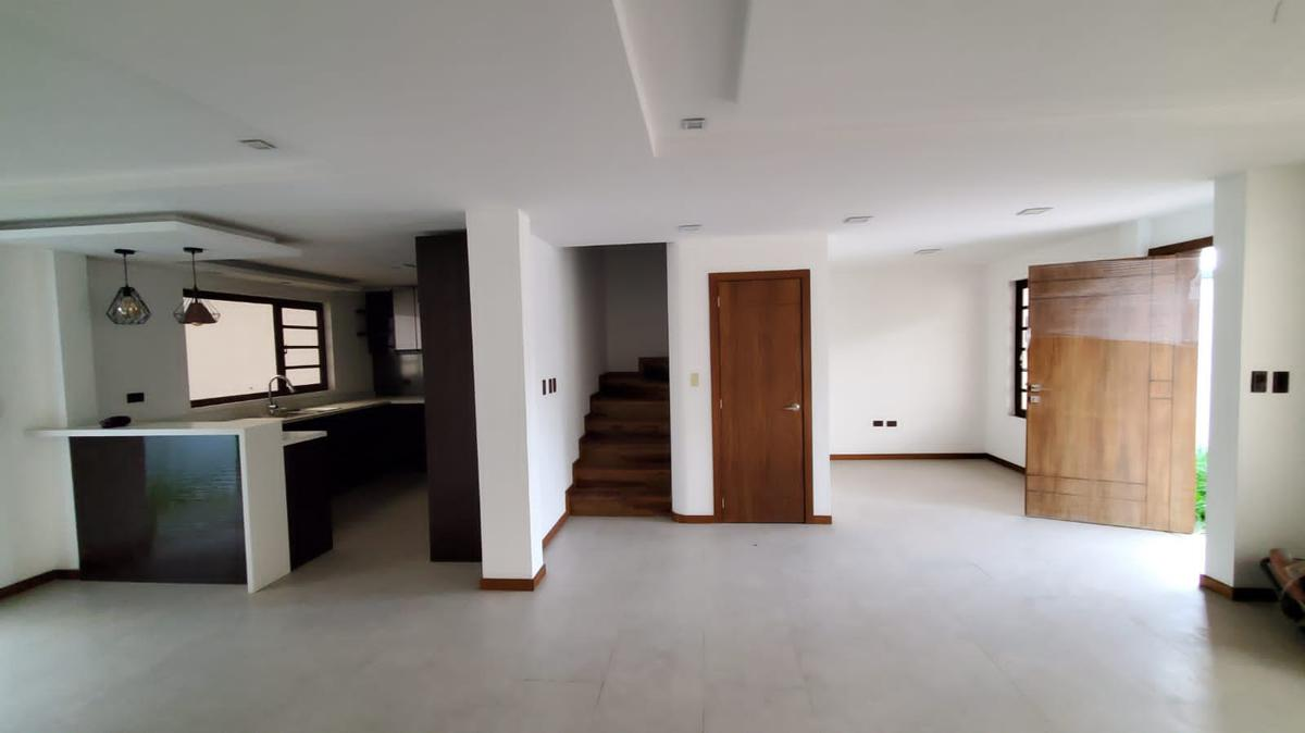 Picture House in Rent in  Yanuncay,  Cuenca  Misicata