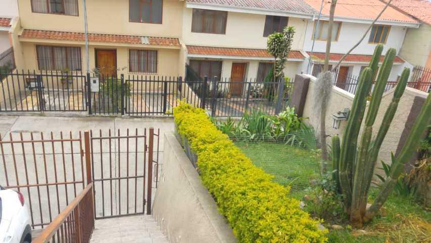 Foto Casa en Venta en  Monay,  Cuenca  Oportunidad villa en venta Urb. Privada, sector Monay Shopping $115.000