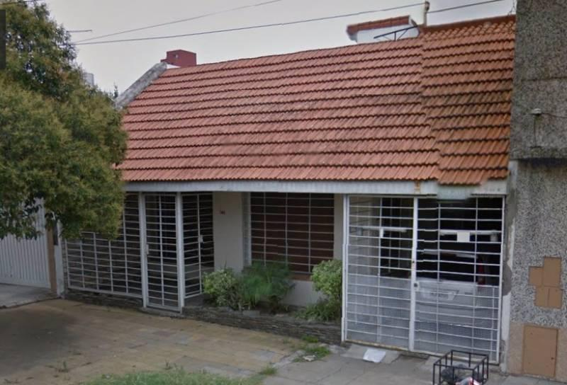 Foto Casa en Venta en  Moron,  Moron  Ortiz de Rosas al 700