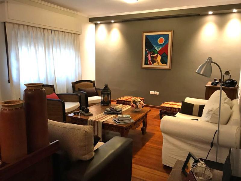Foto Casa en Venta en  Pocitos ,  Montevideo  HERMOSA CASA venta