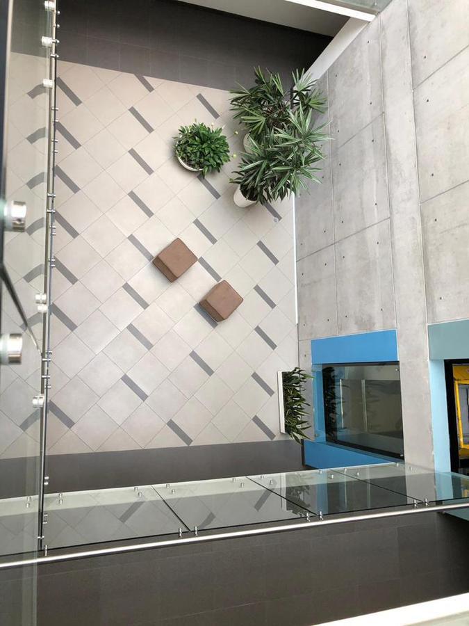 Foto Oficina en Alquiler en  Centro Norte,  Quito          La Floresta    Renta  Oficinas