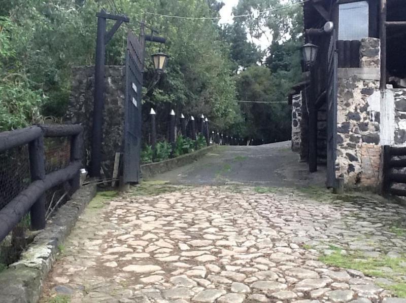 Foto Quinta en Venta en  San Miguel Topilejo,  Tlalpan  Finca en venta en Carretera México-Cuernavaca /Tlalpan (Ciudad de Méxi
