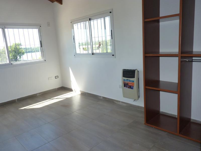 Foto Casa en Venta en  Concordia,  Concordia  Batalla de Cepeda 1.387