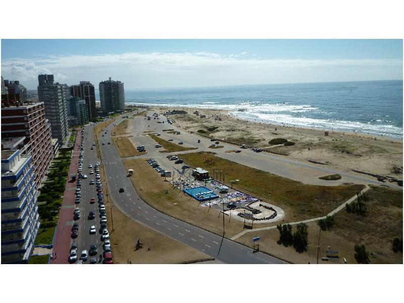 Foto Departamento en Alquiler temporario en  Playa Brava,  Punta del Este  Imperiale III, Parada 1, Playa Brava