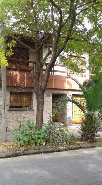 Foto Casa en Venta |  en  Valentin Alsina,  Lanus  Republica Argentina al 3400