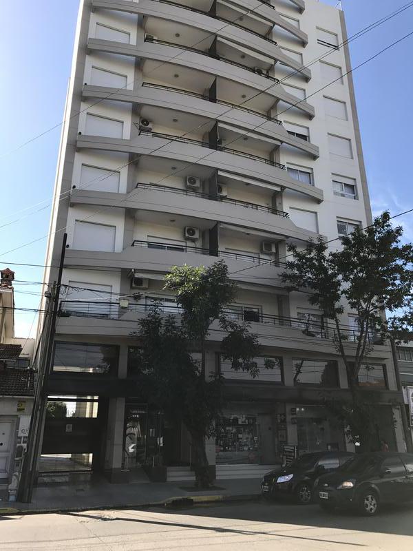 Foto Departamento en Alquiler en  Lomas de Zamora Oeste,  Lomas De Zamora  ALMIRANTE BROWN 3264 8º E