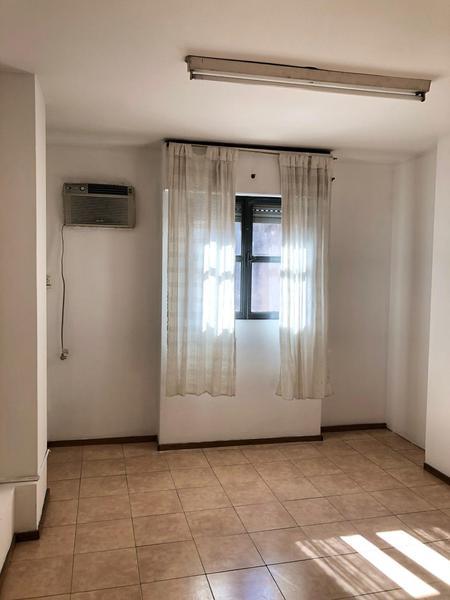 Foto Departamento en Alquiler en  Centro,  Cordoba  Dean Funes al 600 - 1 Dormitorio! Frente y Luminoso