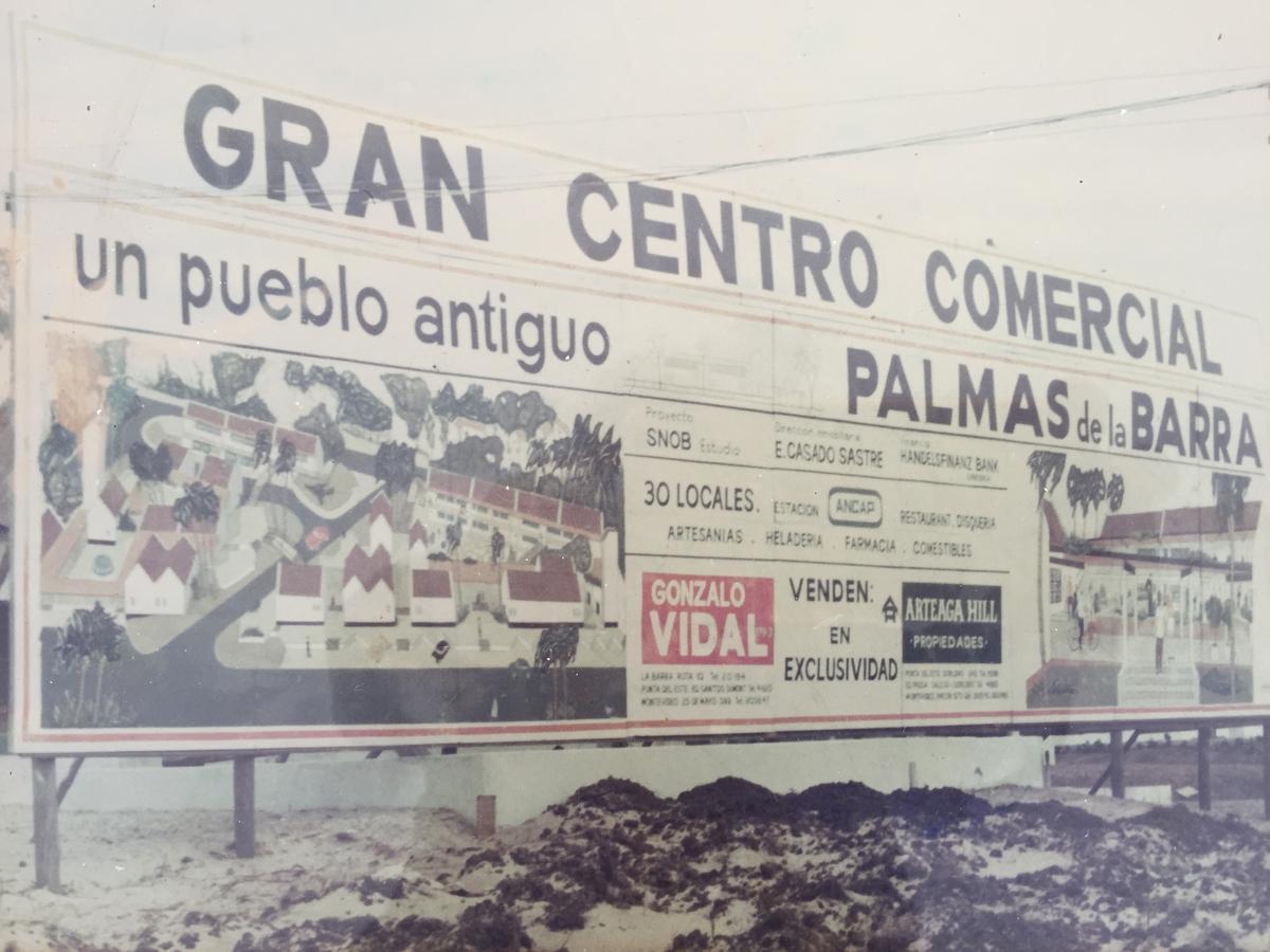Foto Local en Venta en  El Tesoro ,  Maldonado  PALMAS DE LA BARRA