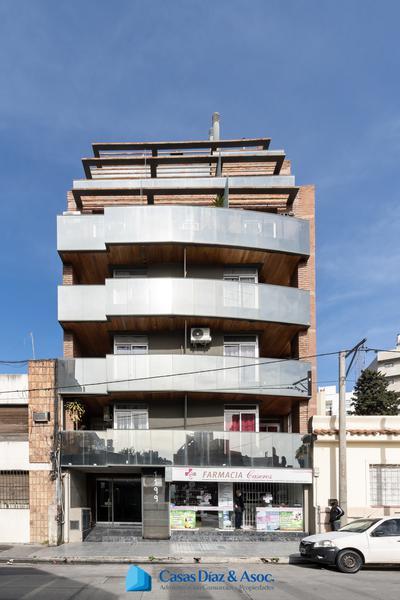 Foto Departamento en Alquiler en  Alberdi,  Cordoba Capital  Caseros al 1199