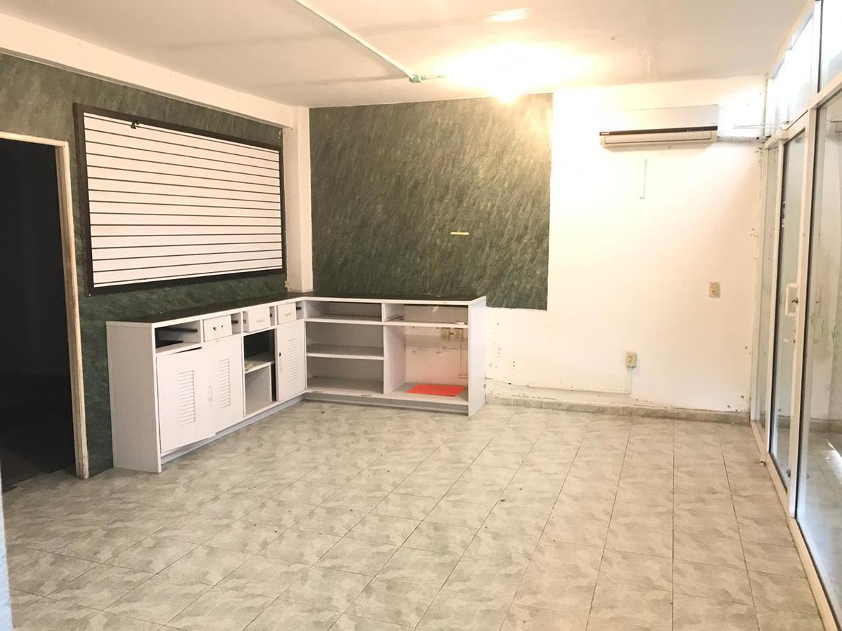 Foto Edificio Comercial en Renta en  Región 94,  Cancún  Edificio en VENTA con USO DE SUELO MIXTO sobre Av. Lopez Portillo Cancun