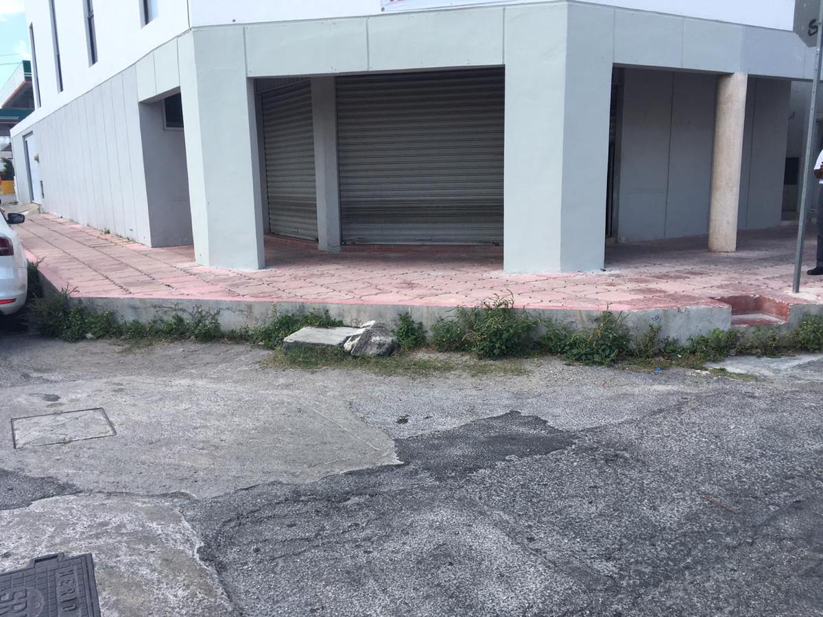 Foto Local en Renta en  Fraccionamiento Prado Norte,  Mérida  Local comercial renta en Merida, 50 mts de Oxxo, ideal para negocio de comida
