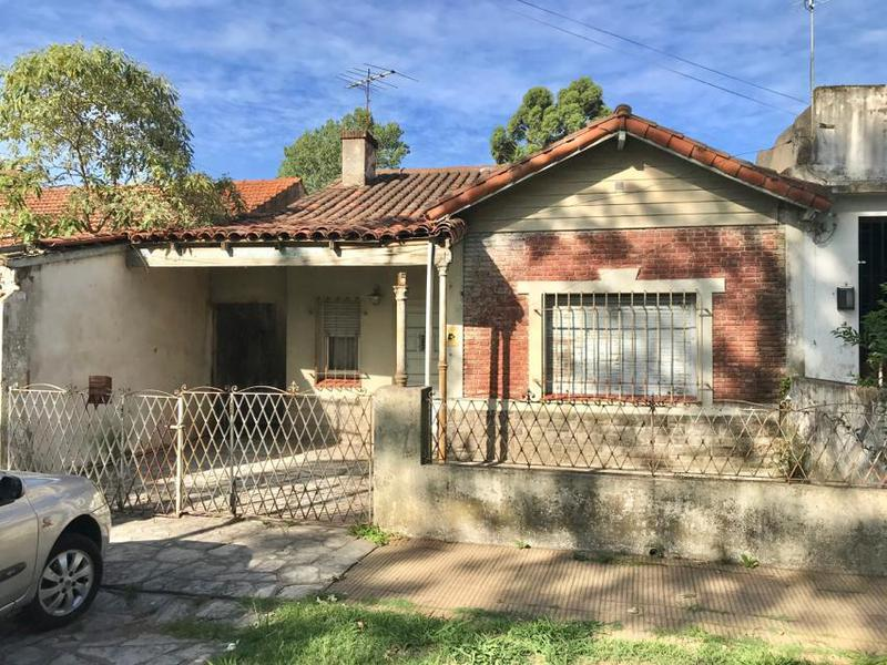 Foto Terreno en Venta en  Adrogue,  Almirante Brown  ALSINA 1141