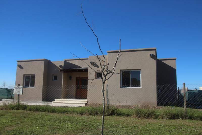 Foto Casa en Venta en  El Canton,  Countries/B.Cerrado  Barrio Norte al 700