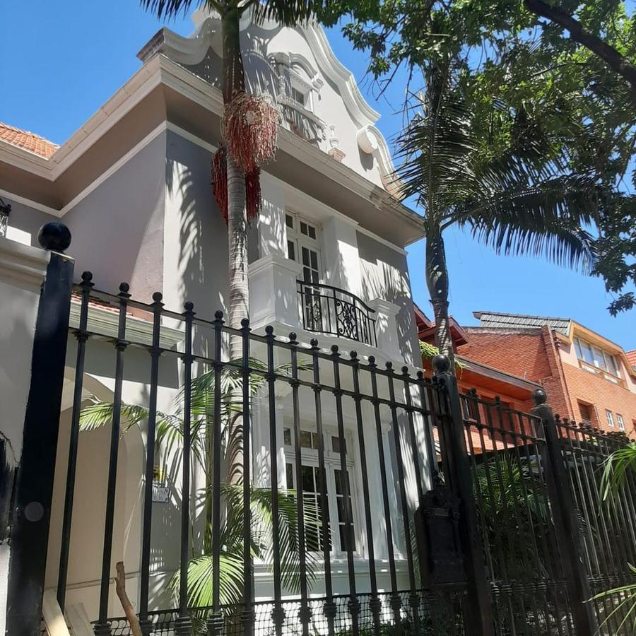 Foto Casa en Alquiler en  Belgrano R,  Belgrano  J Superi * 1800. 8 amb. Sup. Total 490m2.