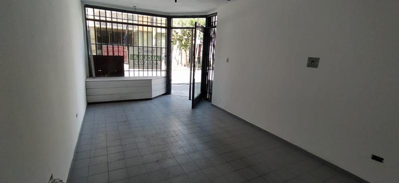 Foto Local en Alquiler en  Alto Alberdi,  Cordoba  EXCELENTE LOCAL!!!- caseros al 800