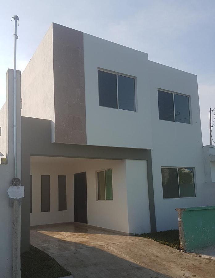 Foto Casa en Venta en  Tampico ,  Tamaulipas  CASA NUEVA MODERNA CON PATIO COL. AMERICANA CERCA CENTRO DE TAMPICO