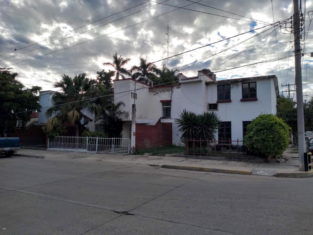 Foto Edificio Comercial en Venta en  Guasave ,  Sinaloa  Propiedad en venta, En esquina, terreno 760m2, para uso comercial o habitacional, Complejo de 4 casas , muy cerca del IMSS, Guasave, Sinaloa