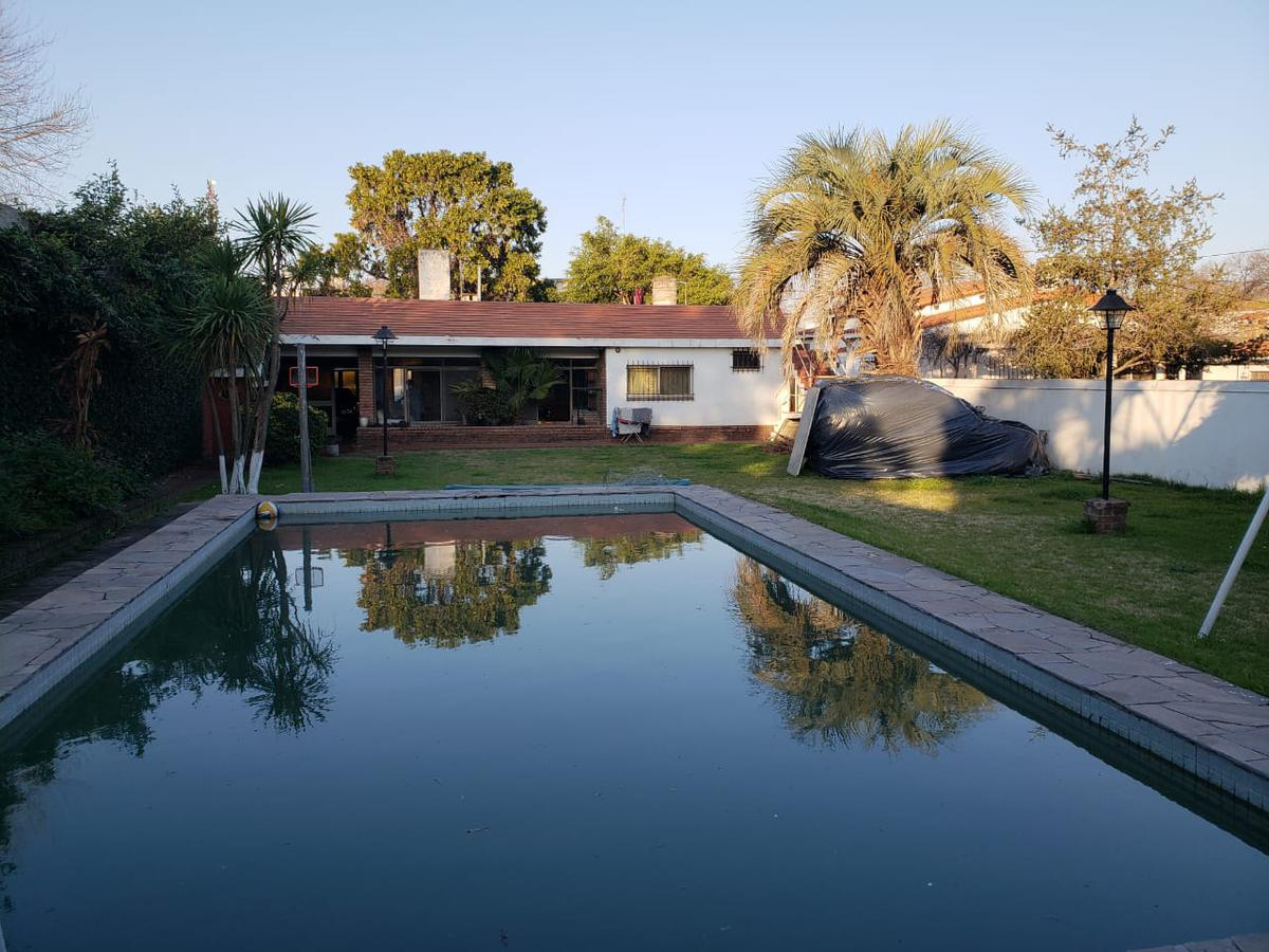 Foto Casa en Venta en  Rosario ,  Santa Fe  Pje Raffo al 5200