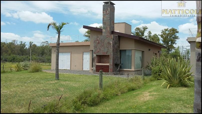 Foto Casa en Venta en  Lobos ,  Interior Buenos Aires  Costanera al 600