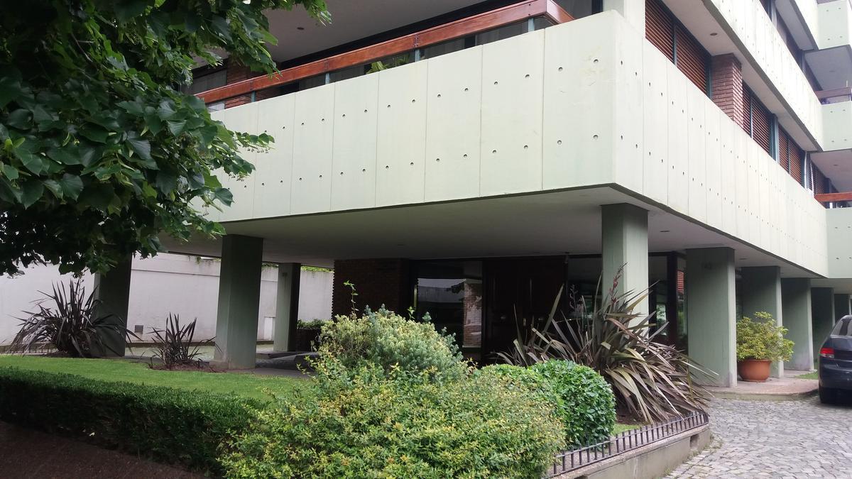 Foto Departamento en Venta en  San Isidro ,  G.B.A. Zona Norte  25 de Mayo, 142, 7B