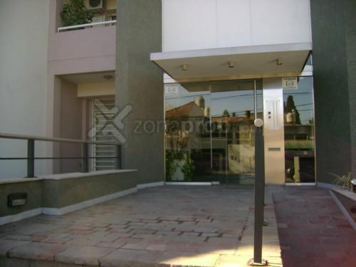 Foto Departamento en Alquiler en  Lomas De Zamora,  Lomas De Zamora  Cornelio Saavedra 200