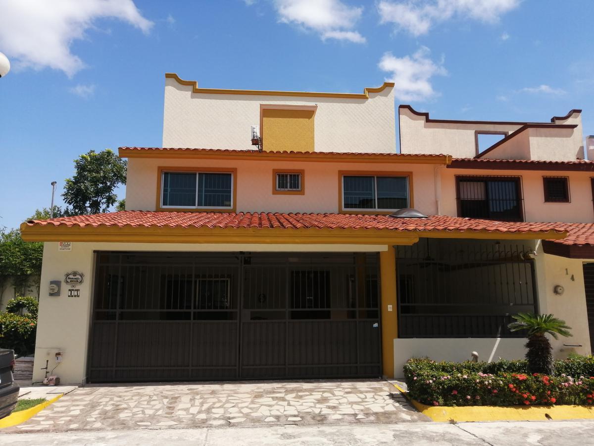 Foto Casa en Renta en  Villahermosa ,  Tabasco  Rento o vendo casa amueblada en Sabina cerca de las amenidades y servicios.