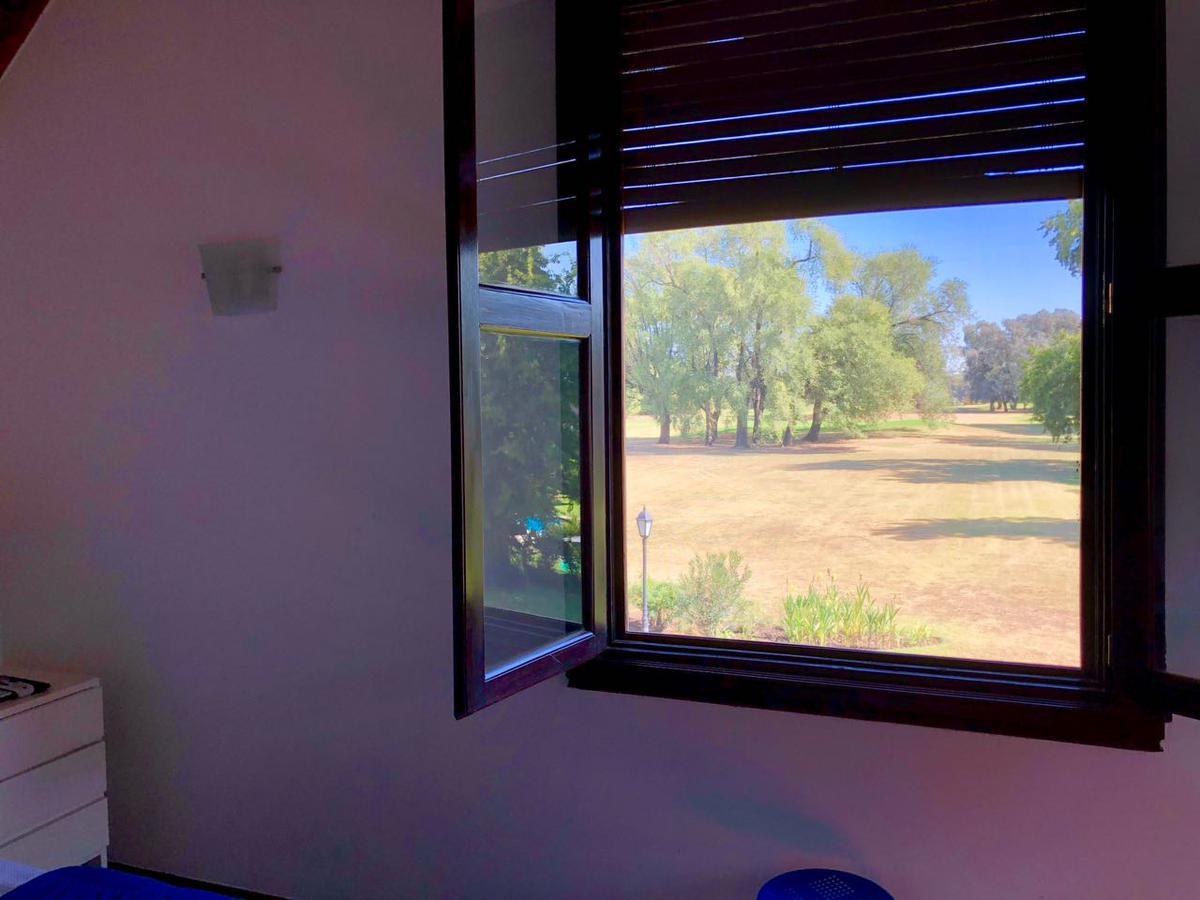Foto Casa en Venta en  Olivos Golf Club,  Countries/B.Cerrado (Malvinas)  Olivos Golf Club
