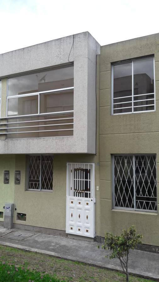 Foto Casa en Venta en  Conocoto,  Quito  Santa Mónica - Valle de Los Chillos