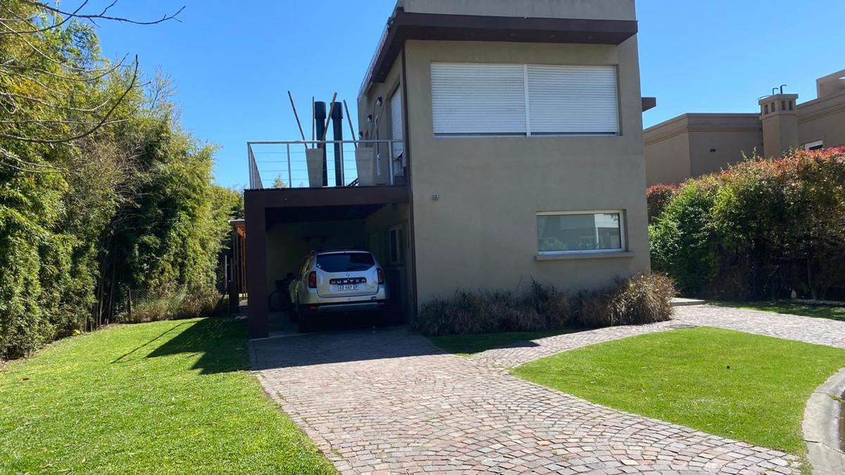 Foto Casa en Alquiler temporario en  Don Torcuato,  Tigre  Burgos al 700