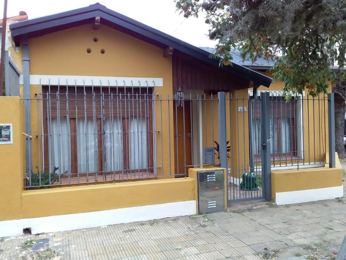 Foto Casa en Venta en  Mart.-Santa Fe/Fleming,  Martinez  Velez Sarsfield al 900