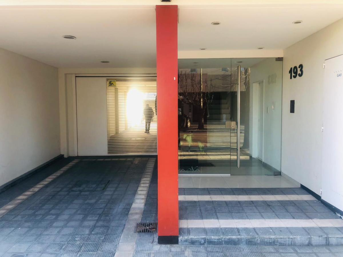 Foto Departamento en Venta en  La Plata,  La Plata  Calle 23 N° 193