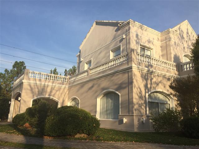 Foto Casa en Venta | Alquiler en  Solar Del Bosque,  Countries/B.Cerrado  CASA EN VENTA / ALQUILER EN CANNING : SOLAR DEL BOSQUE ::CASA DE CATEGORIA