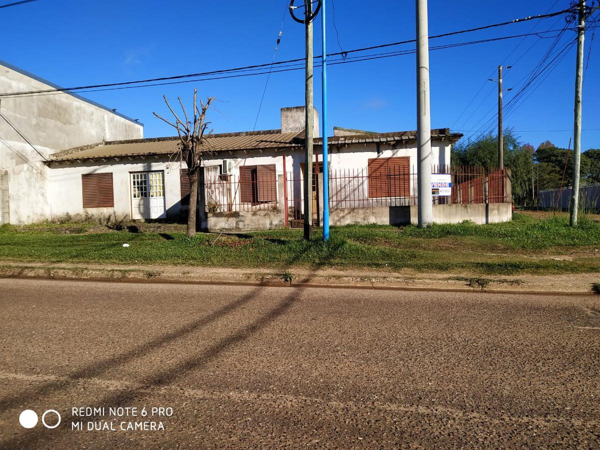 Foto Casa en Venta en  Concordia,  Concordia  Tavella al 2500