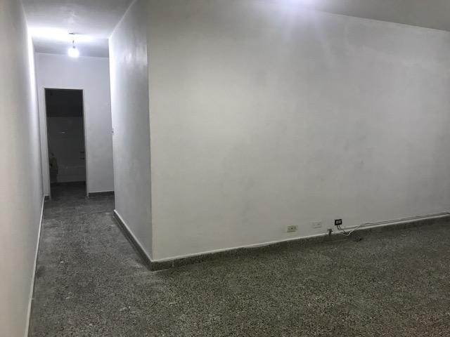Foto Departamento en Alquiler en  Lomas De Zamora ,  G.B.A. Zona Sur  JUNIN 136