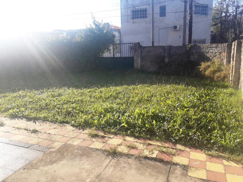 Foto Casa en Venta en  Lomas De Zamora ,  G.B.A. Zona Sur  CASTELLI 2115