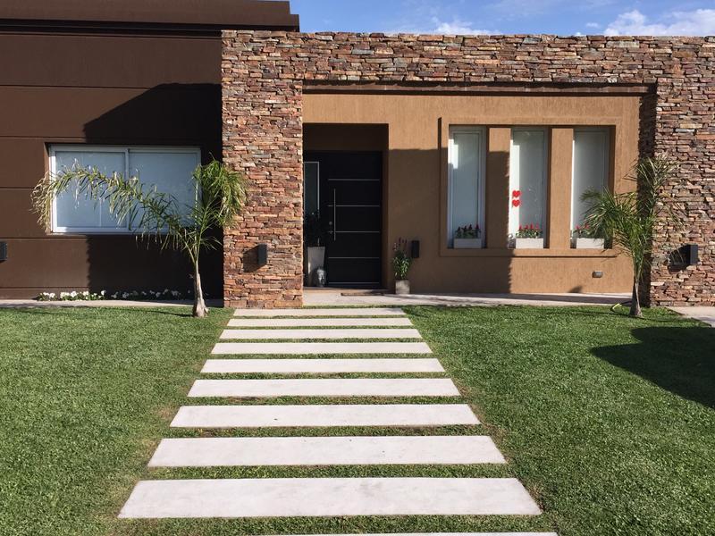Foto Casa en Venta en  Adrogue,  Almirante Brown  Soler 590 - Brisas de Adrogue L2