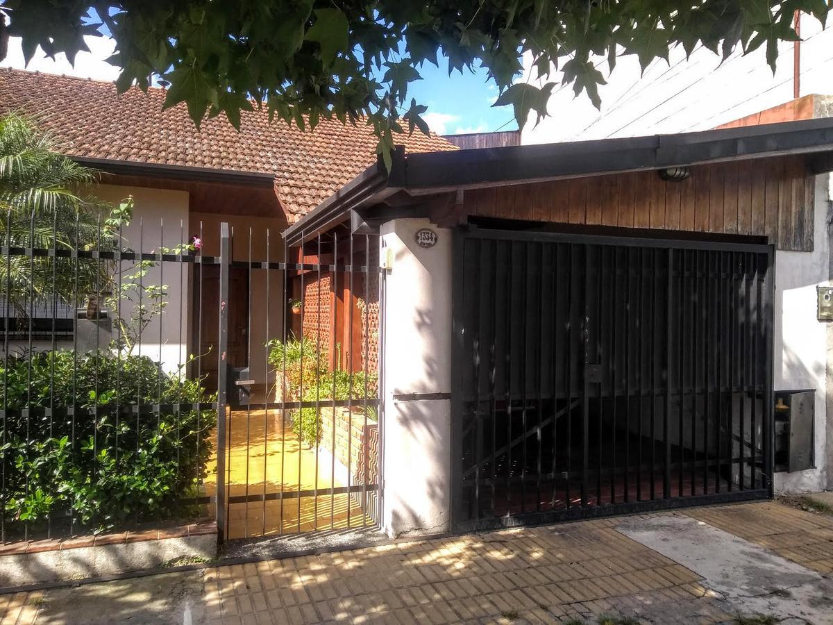 Foto Casa en Venta en  Villa Adelina,  San Isidro  Dean Funes al 1300