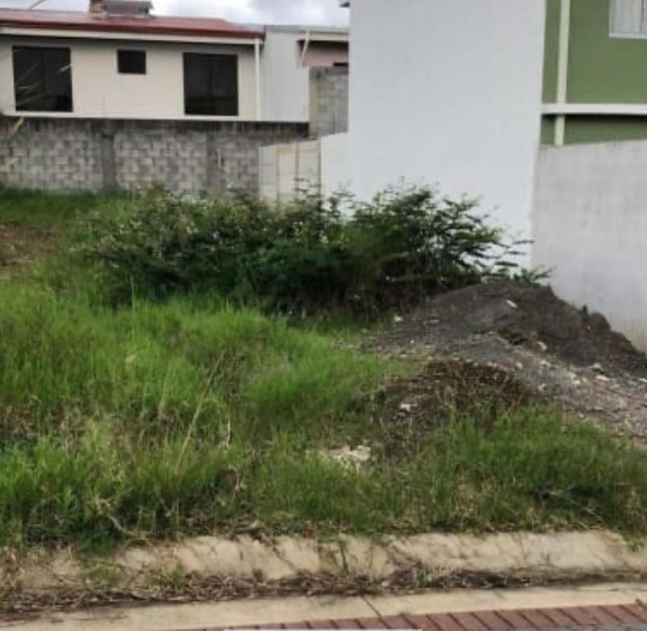 Foto Terreno en Venta en  San Rafael ,  Heredia   San Rafael de Heredia / Plano / Residencial / Alta Densidad / Unifamiliar