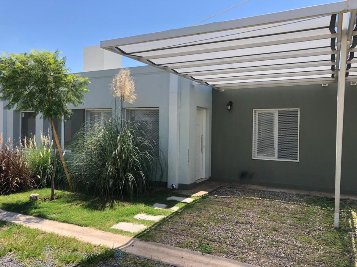 Foto Casa en Venta en  Villa Allende,  Colon  CASA EN VENTA VILLA ALLENDE HOUSING PINAR DE CABRERA