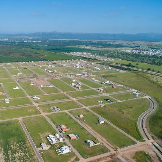 Foto Terreno en Venta en  Docta,  Cordoba Capital  Terreno Apto HOUSING en Docta - Excelente incidencia y en Pesos!