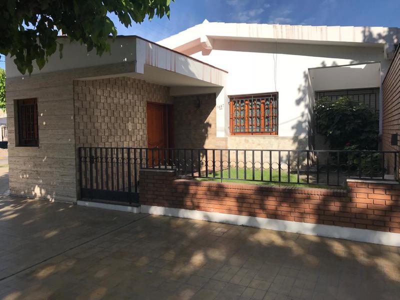 Foto Casa en Venta en  Trinidad,  Capital  Anacleto al 1400