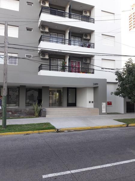 Foto Departamento en Alquiler en  Lomas de Zamora Este,  Lomas De Zamora  Alte Brown 2499 - 13º B, (con cochera nº 6)