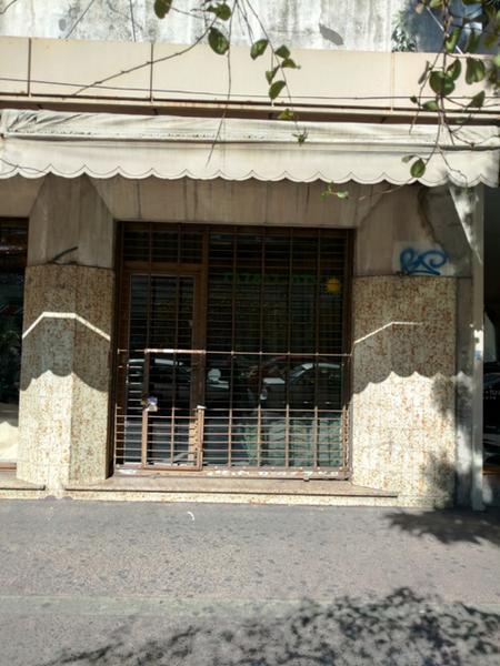 Foto Local en Alquiler en  Lomas de Zamora Oeste,  Lomas De Zamora  Boedo N° al 200