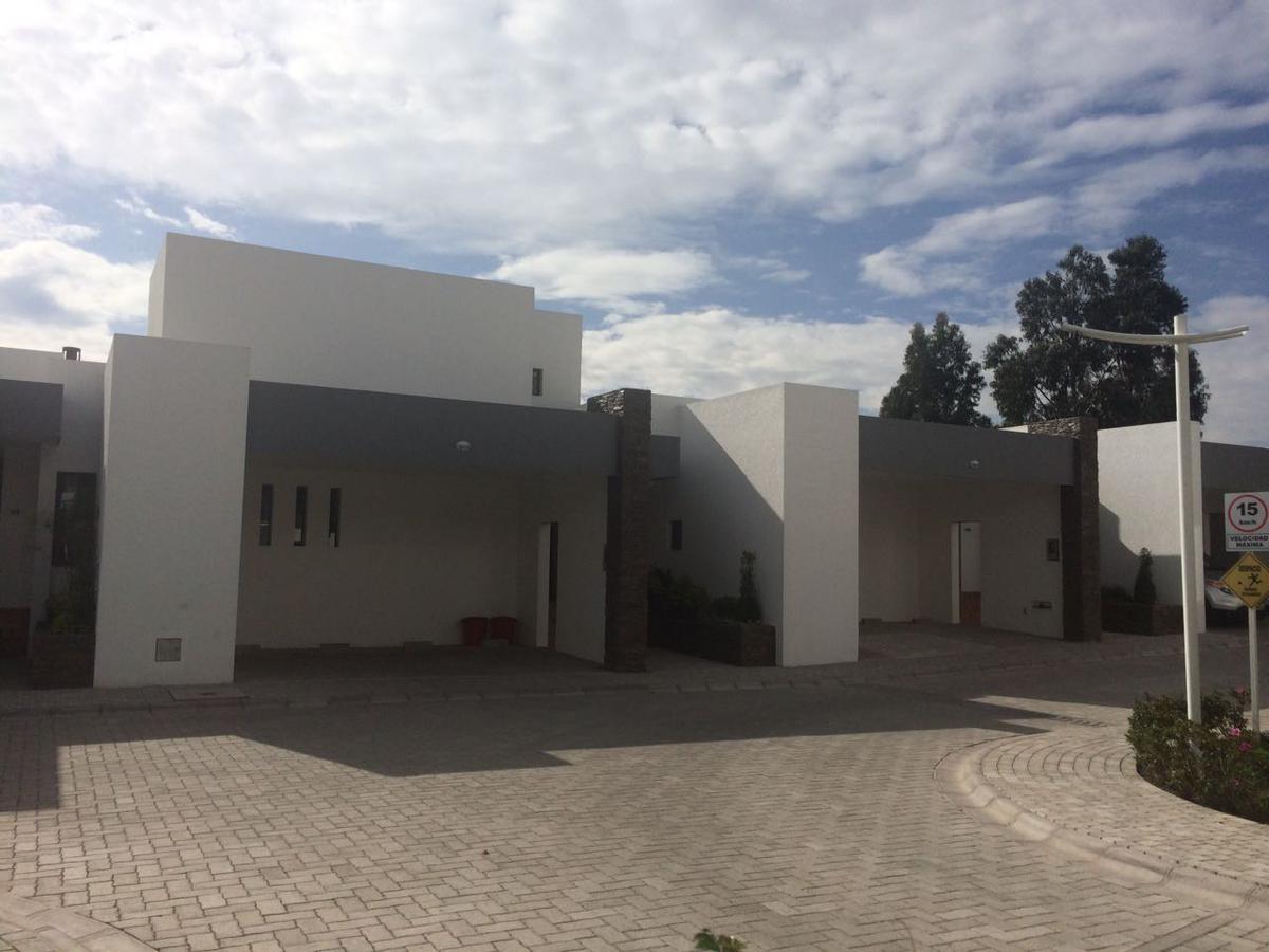 Foto Casa en Alquiler en  Cumbayá,  Quito  Cumbaya, Renta linda Casa al lado Colegio Terranova