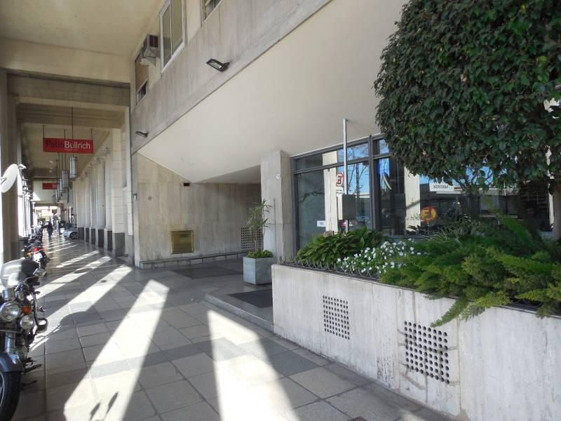 Foto Departamento en Alquiler en  Recoleta ,  Capital Federal  AV LIBERTADOR al 700