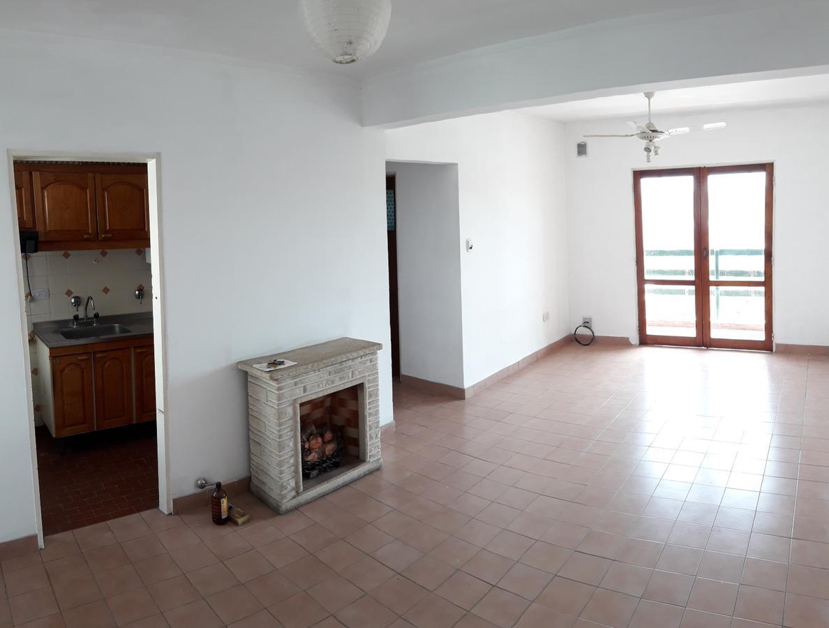 Foto Departamento en Alquiler en  Recoleta,  Santa Fe  Sobre Boulevard, dos dormitorios con placares, dos balcones, gran living comedor y tender en terraza