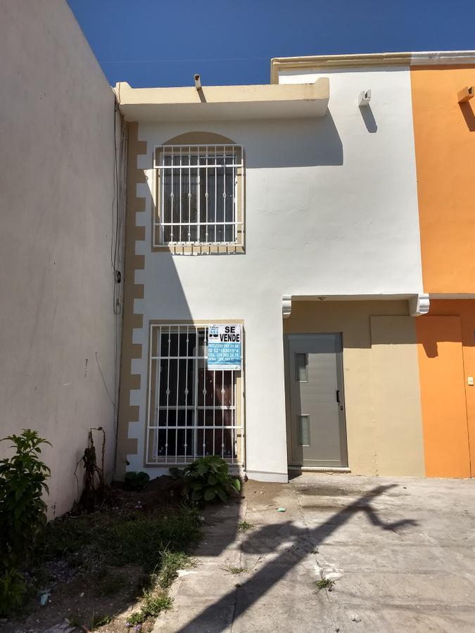 Foto Casa en Venta |  en  Fraccionamiento Laguna Real,  Veracruz  Fraccionamiento Laguna Real