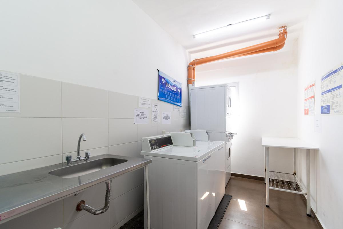 Foto Oficina en Venta en  Monserrat,  Centro (Capital Federal)  BERNARDO DE IRIGOYEN 600